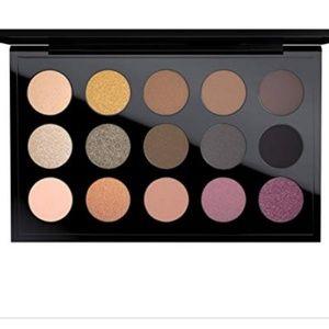 Mac Mellow Modern eyeshadow palette